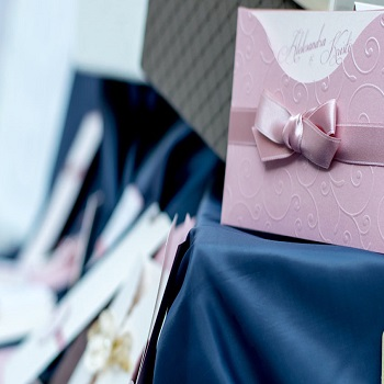 How to create wedding invitations