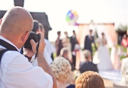 Is Photojournalism the Right Style for Your Wedding?