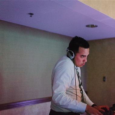 Luniks Entertainment, Inc. wedding vendor preview