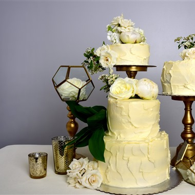 Chicago Custom Cakes, LLC wedding vendor preview