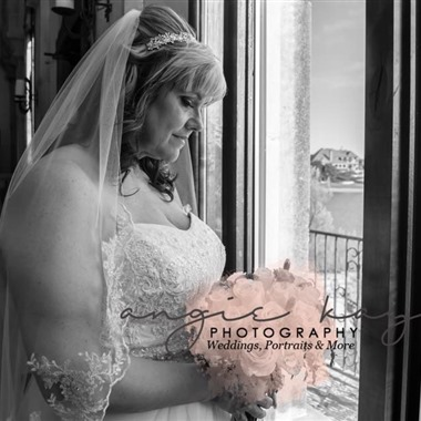 Angie Kay Photo wedding vendor preview