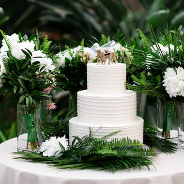 The Frosted Fox Cake Shop wedding vendor preview