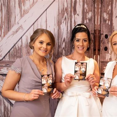 Hello Photo Booth Rental wedding vendor preview