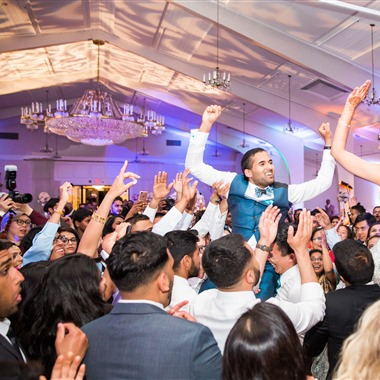 Silk Events DJ + Lighting wedding vendor preview