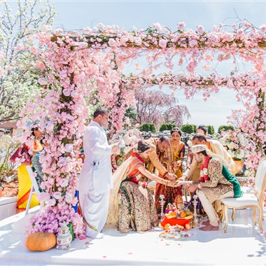 Silk Events DJ + Lighting wedding vendor preview