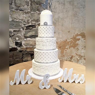 Bohemian Bakery wedding vendor preview