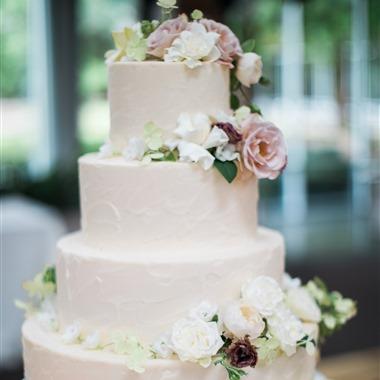 Plum & Poppy wedding vendor preview
