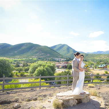 Dezember Photography And Videography wedding vendor preview