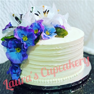 Laura's Cupcakery wedding vendor preview