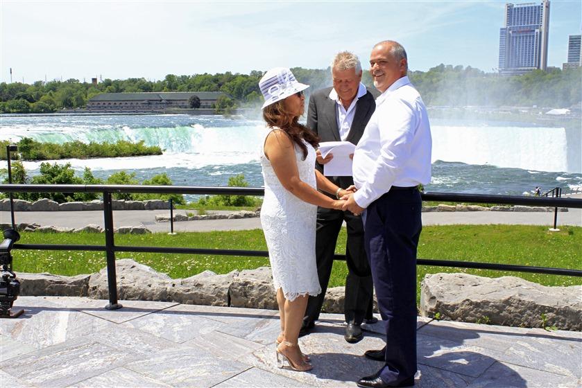 Niagara Falls Chapel wedding vendor photo
