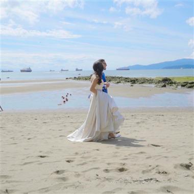 La Mor Wedding Films wedding vendor preview